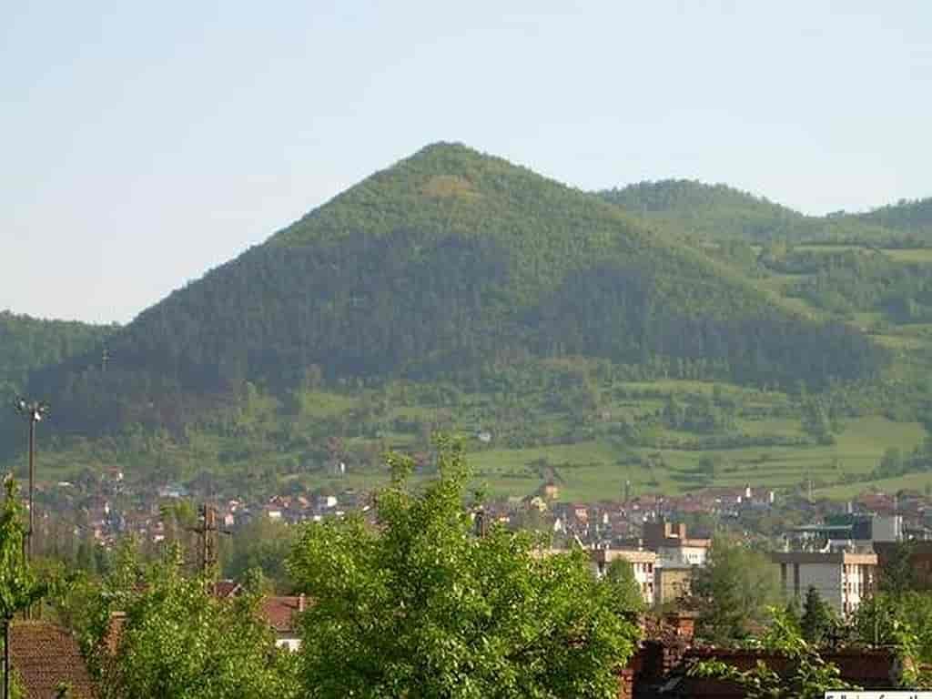 Visočica,_bosnianska_pyramída