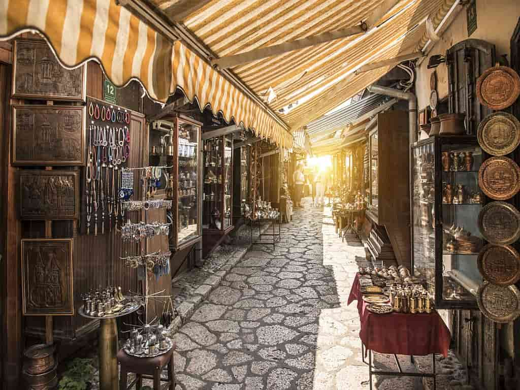 market-in-the-old-town-sarajevo-bosnia-and-herzegovina-ISF03044